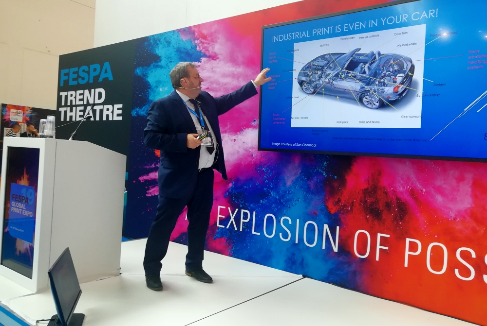 Peter Buttiens presenting at FESPA 2019